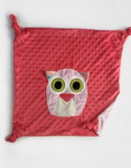 hibou sur fond rouge copie
